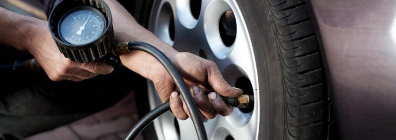 Luftdruckmessung am Reifen