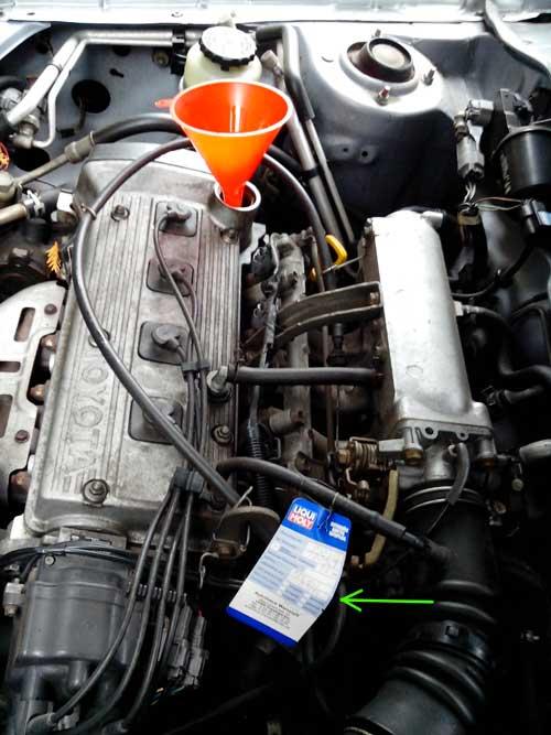 Ölzettel im Motorraum