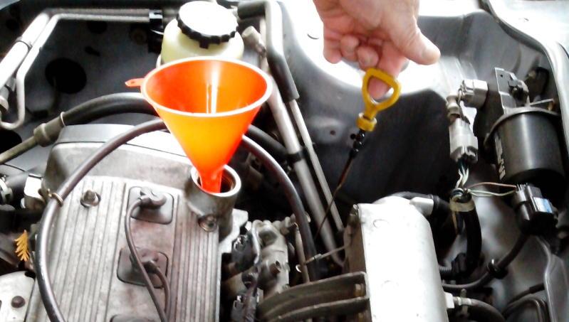 Ölstand-Messung beim Auto