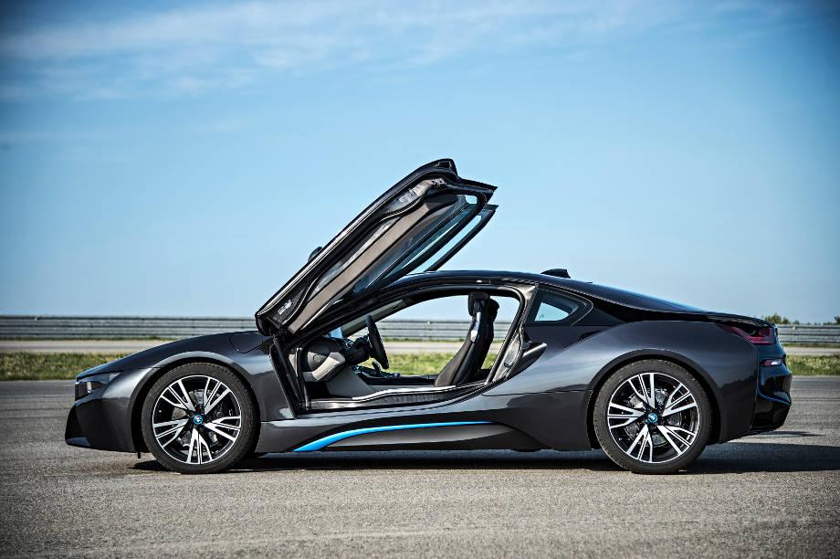 Mit Hybridmotor und Laserlicht in die mobile Zukunft: Der BMW i8