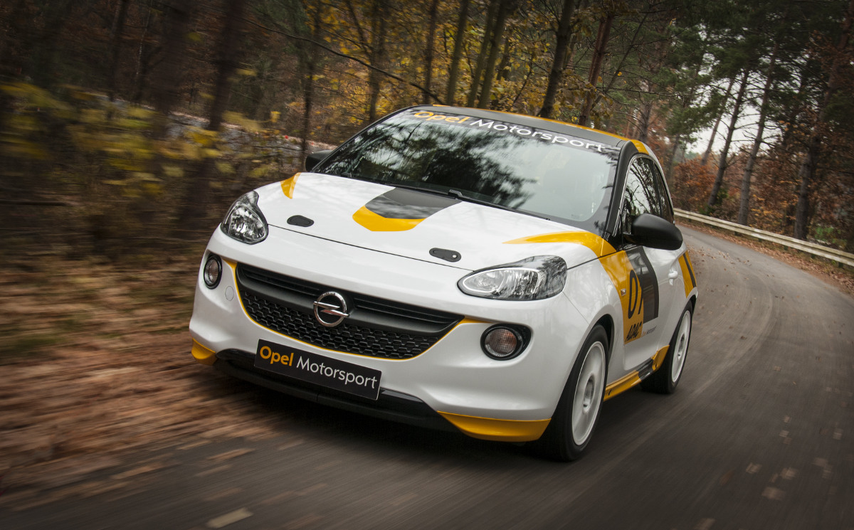 Opel Adam auf der Rallyepiste: Am 05. April ist es soweit
