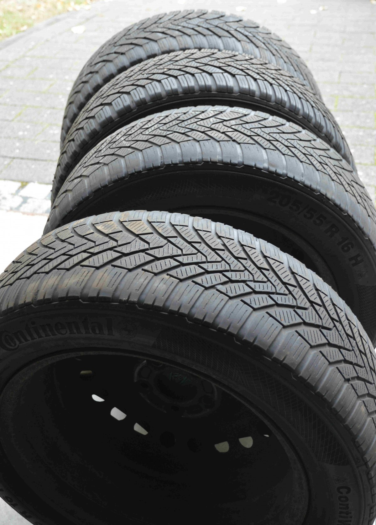 Learning the art Of selecting tires