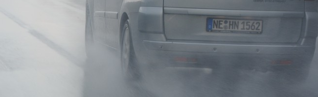 What to do when aquaplaning? - Good tires minimize risks