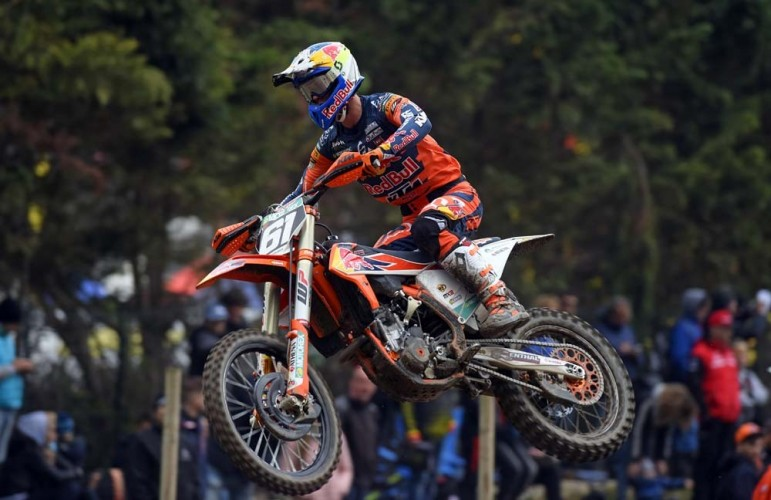 An unstoppable Jorge Prado dominates both heats in MX2