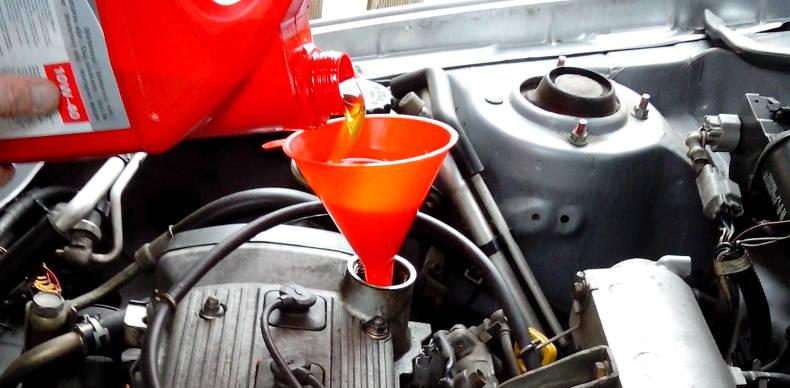 Herstellerfreigabe beim Motoröl unbedingt beachten | Reifen.de