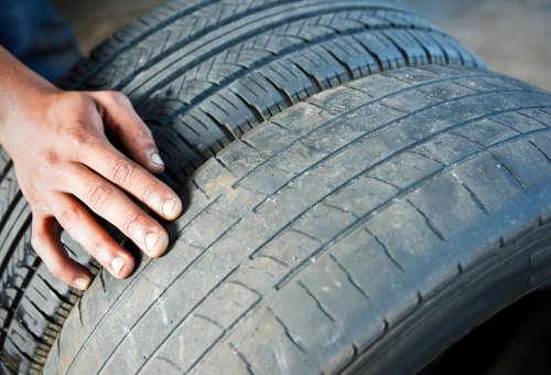 Profiltiefe messen, um Unfälle zu vermeiden - Beste Tipps | Reifen.de