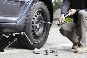 Reifenpannen – Wie man sie vermeidet und was im Fall der Fälle hilft